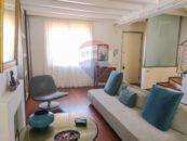 Zona divano di Appartamento Minimal Chic