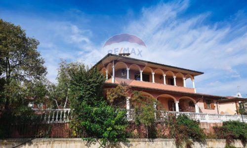 vista esterna della Villa Singola Provaglio d'Iseo